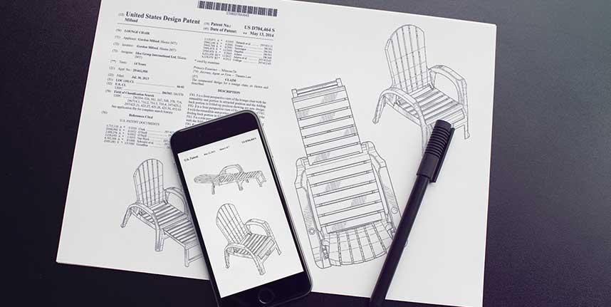 Disegni di Sedie per pratica registrazione design con fogli e cellulare